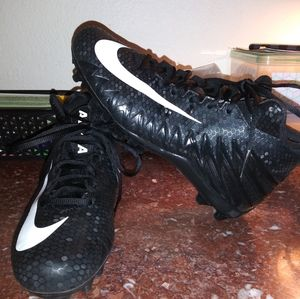 Nike Alpha Menace Football Cleats